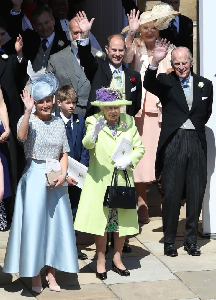 queen-and-prince-charles-1526739037