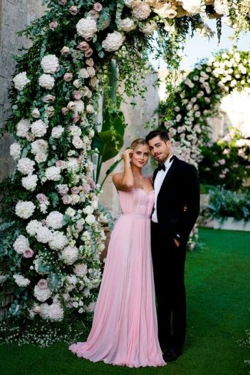 003_valentina_ferragni_luca_vezil_chiara_ferragni_wedding_vogue_int_credit_david_bastianoni_jpg_7122_north_499x_white