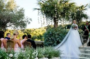 019_chiara_faragni_wedding_vogue_int_credit_david_bastianoni_jpg_2865_north_499x_white